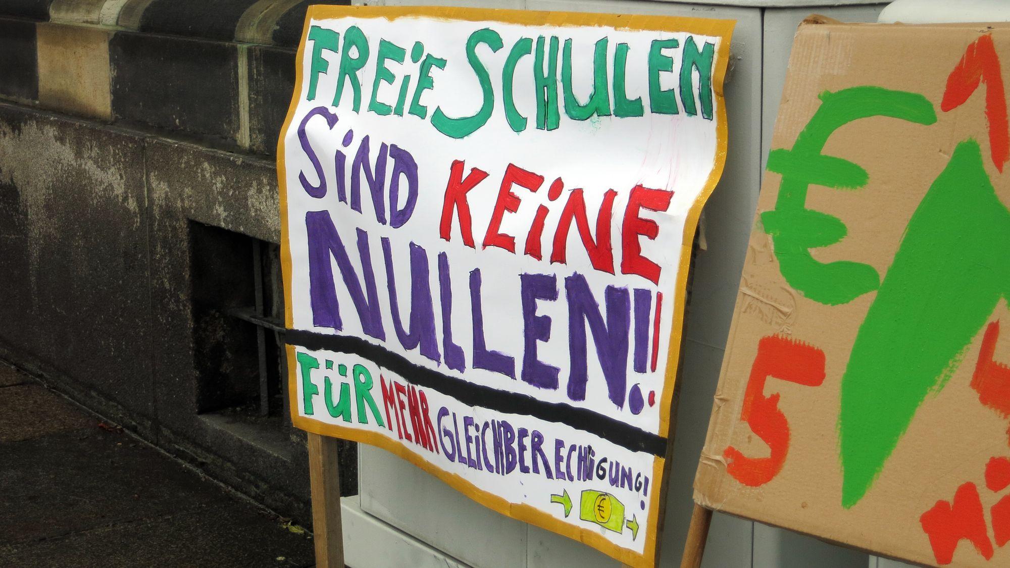 Freie Schüler fordern Zahlen