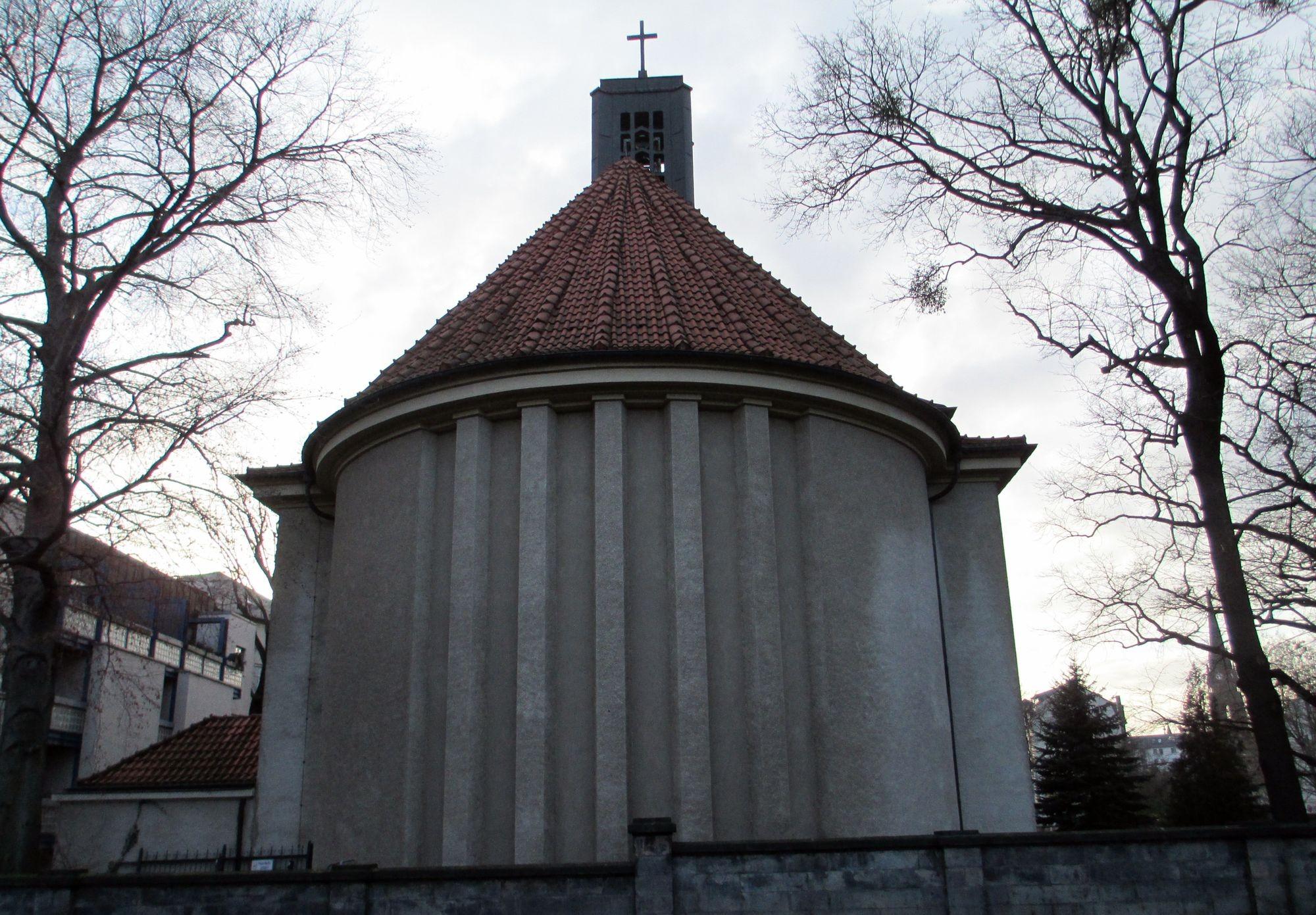 Dass in der Diakonissenhauskirche regelmäßig Konzerte stattfinden, haben wir Friedrick Kircheis zu verdanken, Organist von 1971-2005.