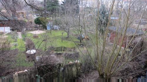 Die Kleingartensparte Prießnitzaue vom Carte-Blanche-Grundstück aus gesehen.