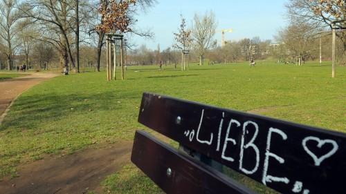 Auch am Alaunplatz kommen Frühlingsgefühle auf. Die Räte beraten über die Westerweiterung und das Sauberkeitskonzept.