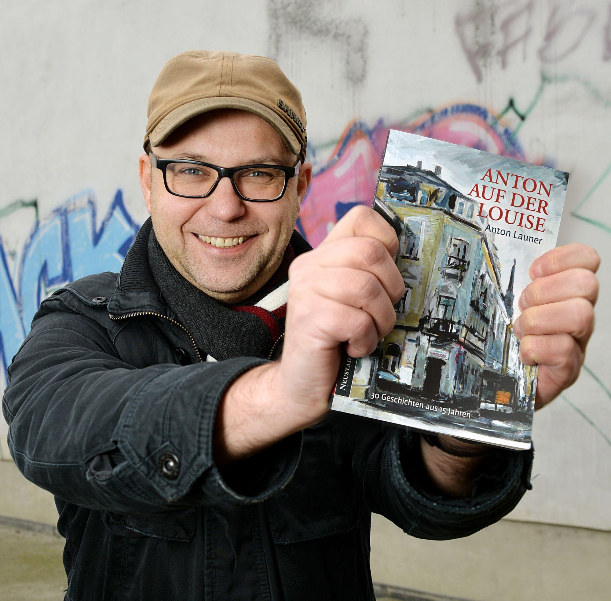"""""""Anton auf der Louise"""" wird in der Markthalle signiert - Foto: Christian Juppe"""