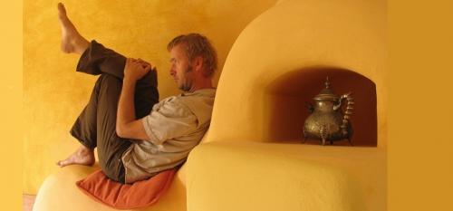 Der Bildhauer, Dichter und Musiker Stefan Dürre liest im Büchers Best.