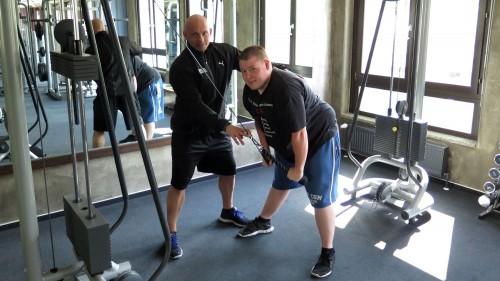 Vier bis fünf Mal pro Woche je 1,5 Stunden Training.