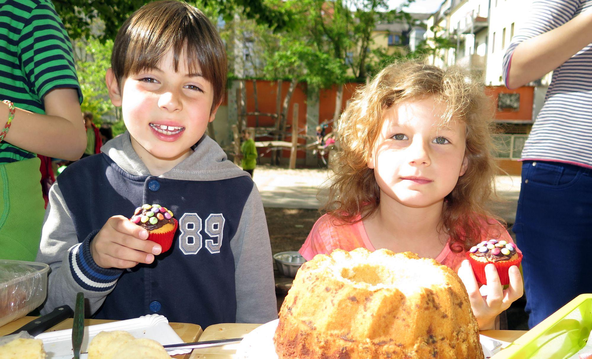 Kuchenbasar in der 15. Grundschule
