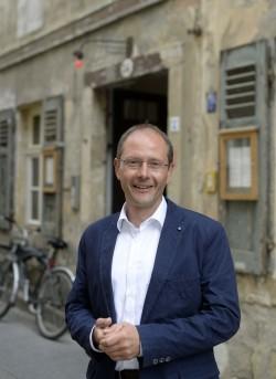 Markus Ulbig vorm Raskolnikoff - Foto: Dehli-News.de/Frank Dehlis
