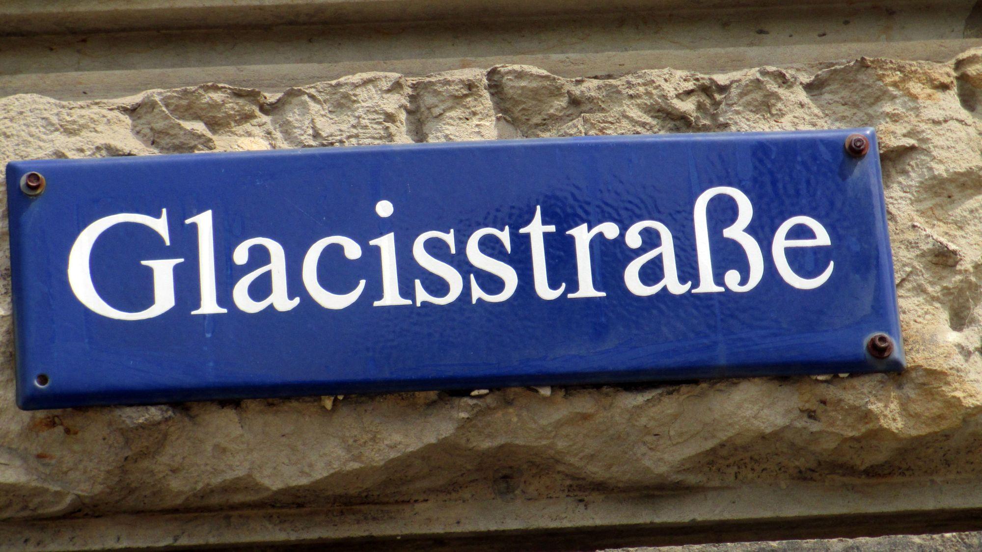 Die Glacisstraße hieß zu DDR-Zeiten nach dem italienischen Politiker Palmiro Togliatti
