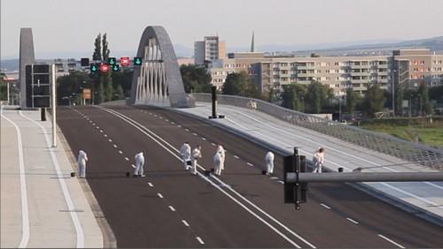 Ausschnitt aus der Video-Installation zur Waschung der Waldschlösschenbrücke