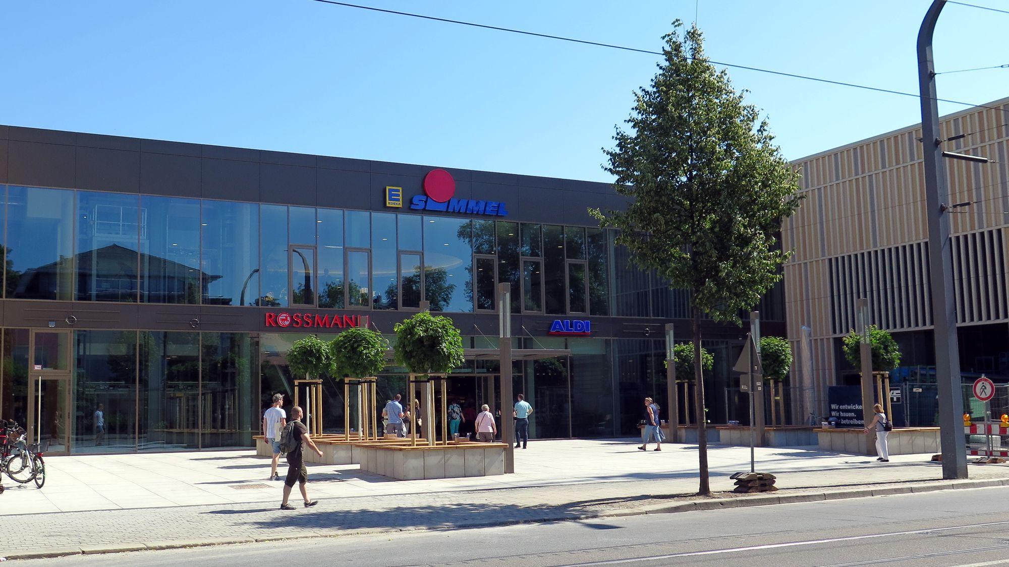 Einkaufszentrum eröffnet