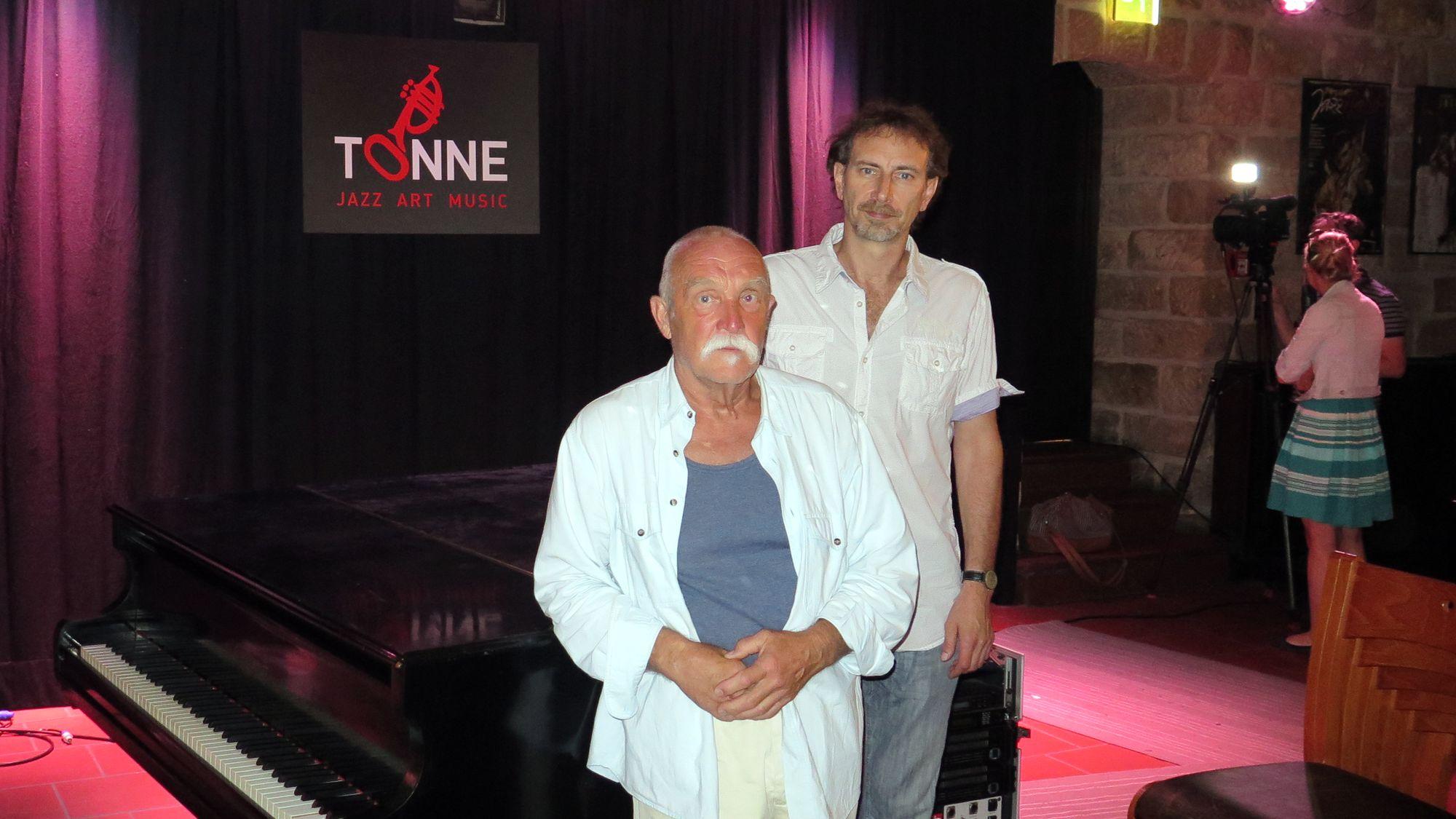 Hoffen auf eine Lösung Schlagzeuger Günter Sommer und Tonne-Chef Steffen Wilde.