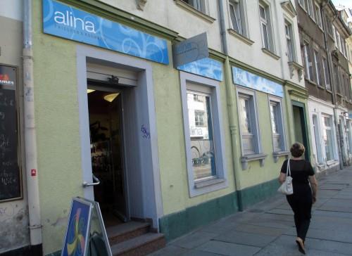 Alinas Salon neben dem Bailamor