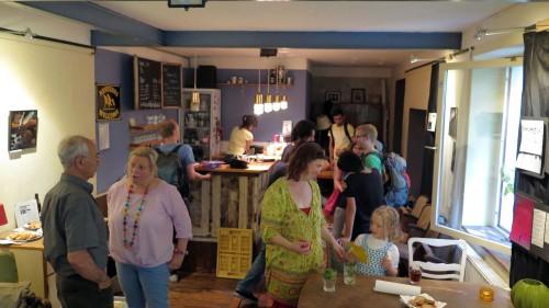 Bunter Trubel im Café International