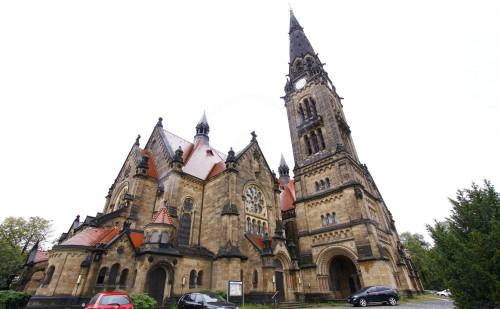 Die Garnisonkirche St. Martin an der Stauffenbergallee