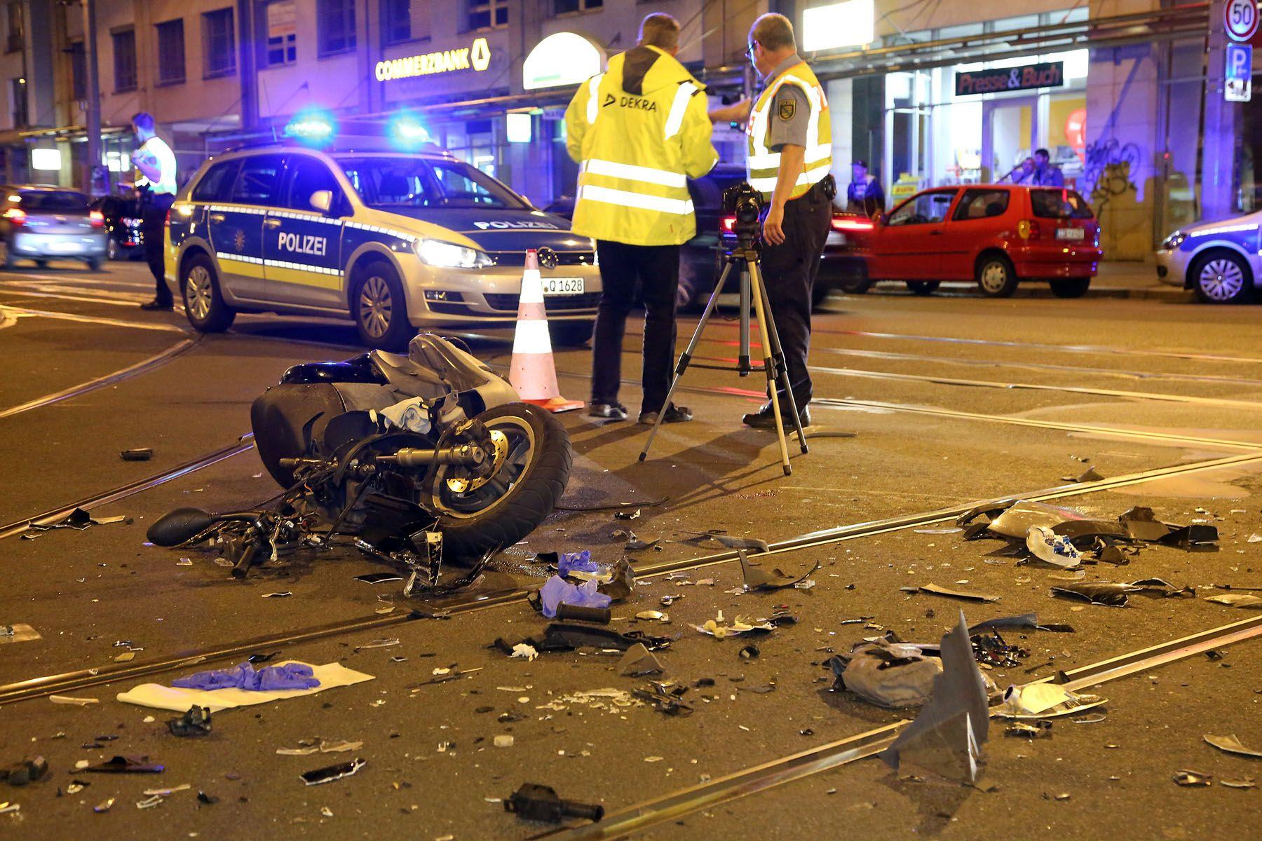 Die Polizei hat die Unfallermittlungen aufgenommen.