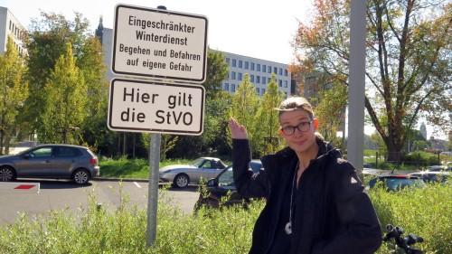 Benita Horst ist empört: Parkplatz wieder nur für die Mitarbeiter