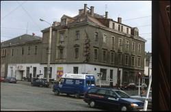Statt nem Beton-Büro-Haus stand am Bischofsweg/Ecke Königsbrücker Straße einst das Aktiv, ein riesiger Ballsaal. Foto: Lange