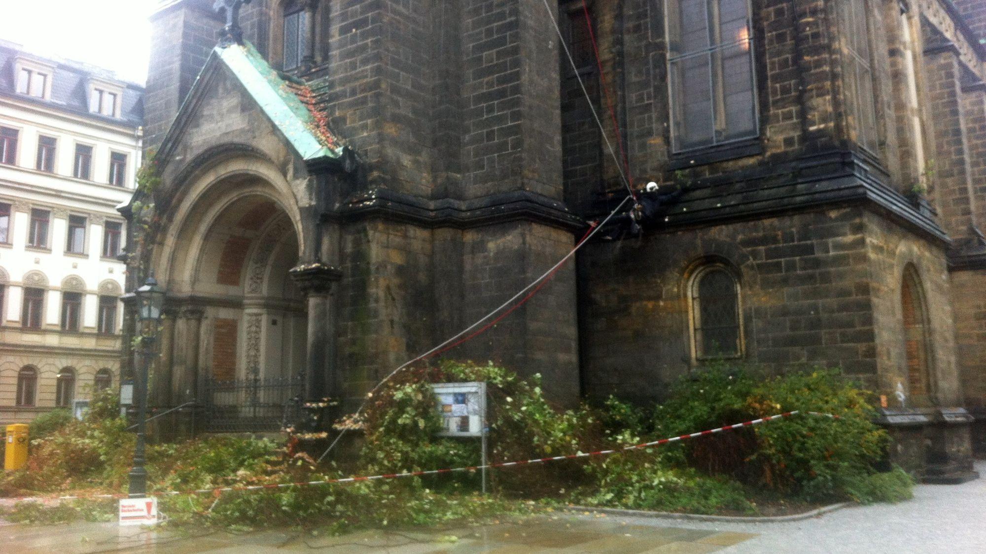 Martin-Luther-Kirche wird beschnitten