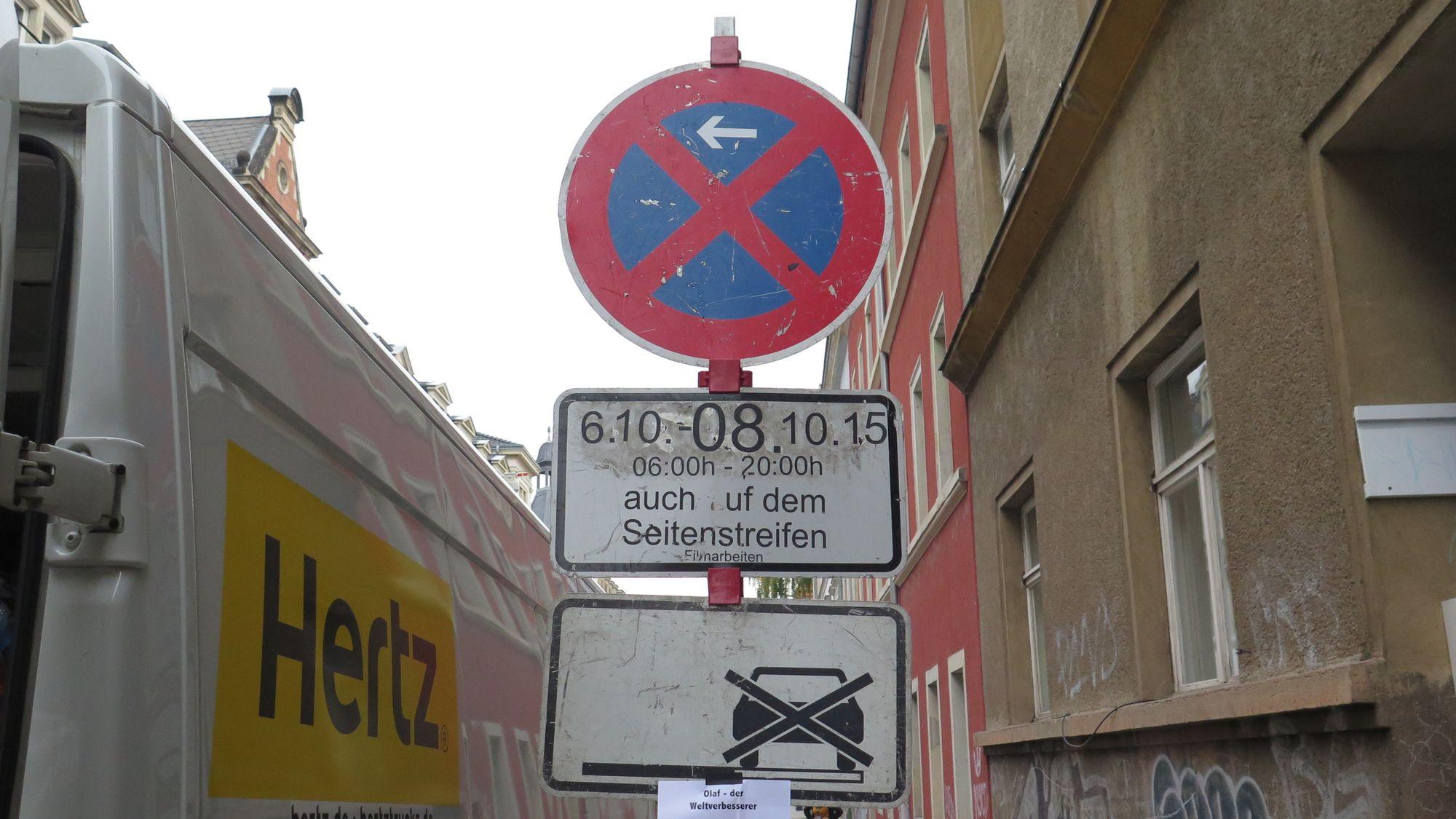 Teile der Prießnitzstraße sind für den ruhenden Verkehr gesperrt.