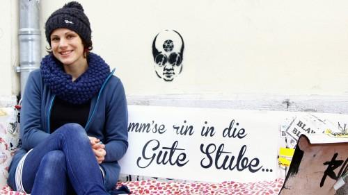 Martina auf ihrer berühmten Sitz-Wanne - Foto: Youssef Safwan
