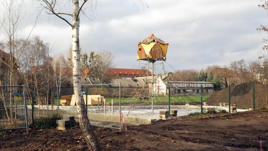 Neue Kletterspinne auf dem Russensportplatz