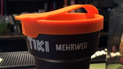 Mehrweg-Becher für Mitnehm-Kaffee