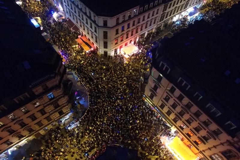 Görlitzer/Ecke Louisenstraße von oben bei Nacht - Das Foto stammt von der Agentur Schröder - die ein BRN-Sicherheitskonzept entwickelt