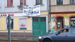 Anti-Pegida-Plakat am Bischofsweg.