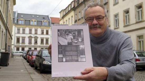 """Günter Starke mit Kalender """"Botschaften und Botschafter"""""""