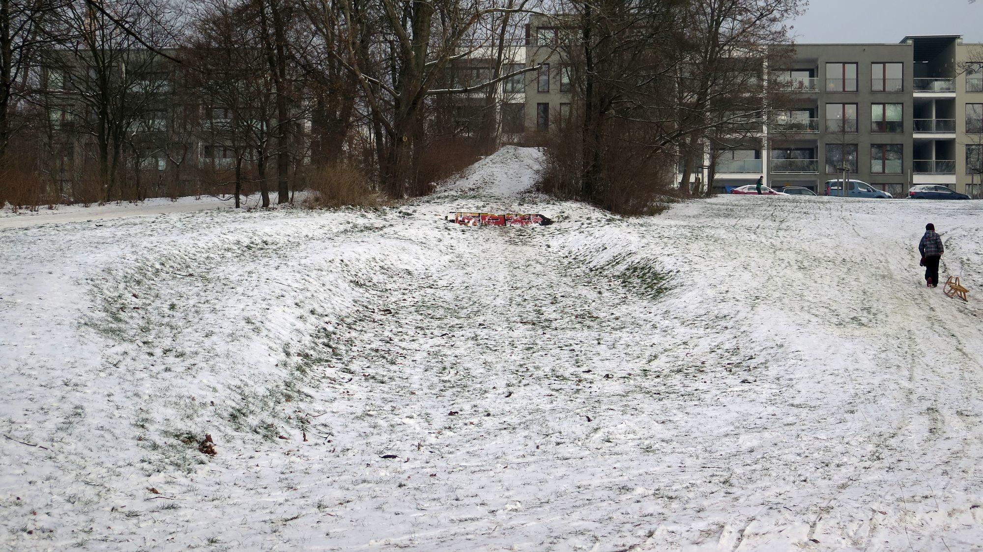 Die Pionier-Ski-Schanze liegt verlassen da.