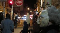 Maskenumzug auf der Louisenstraße