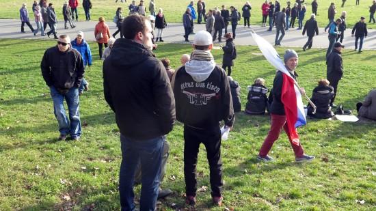 Eisen-Kreuz-Fan bei Pegida-Demo