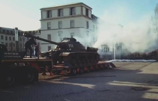 Der Panzer am Morgen nach der Neustadt-Tour - siehe da, er raucht noch. Foto: Militärhistorisches Museum der Bundeswehr