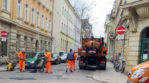 Straßenausbesserungen an der Louise-/Ecke Pulsnitzer Straße
