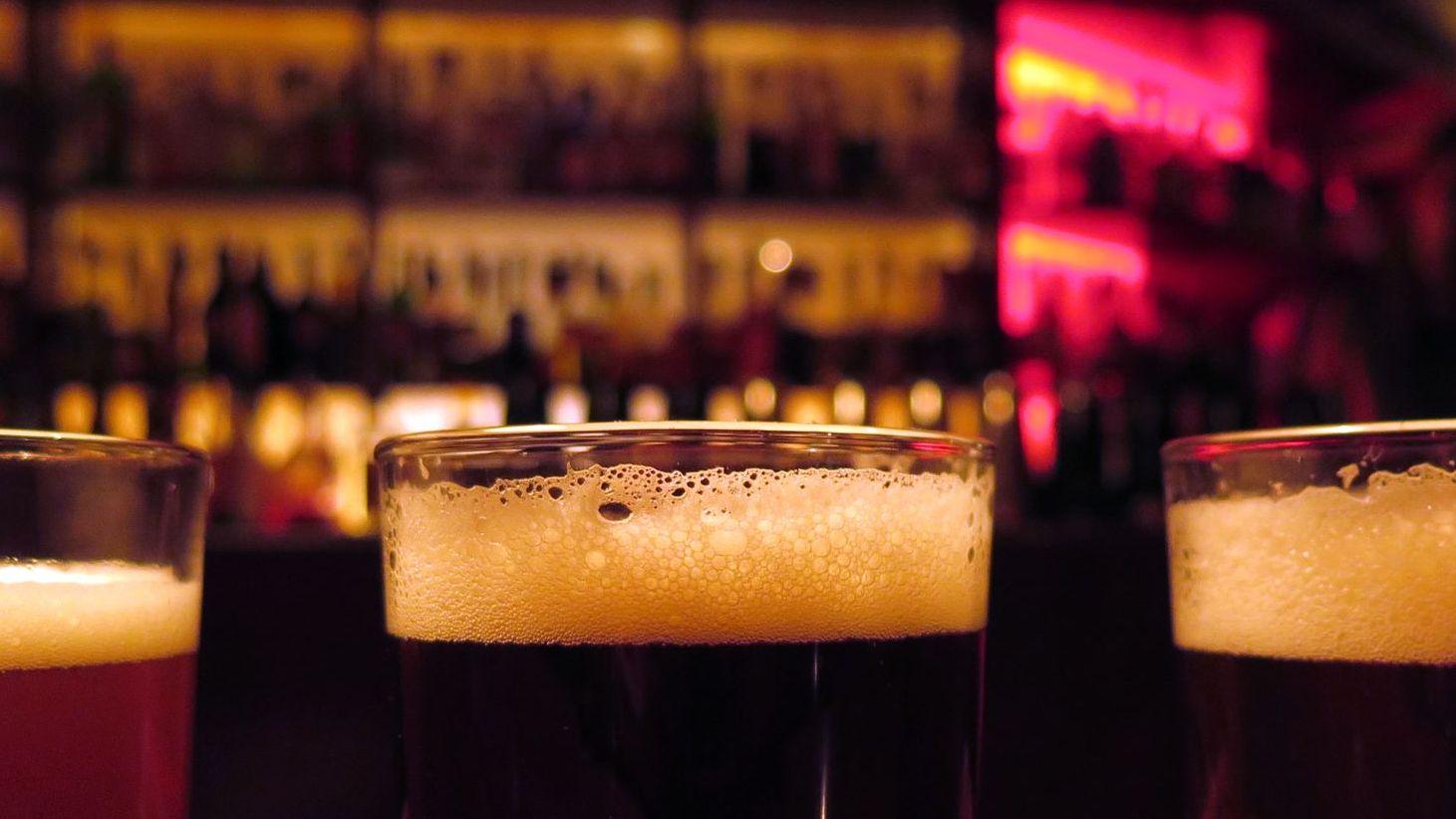 Nie ein Bier allein.
