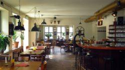 So licht sieht man den Scheune-Gastraum fast nur zum Frühstück.
