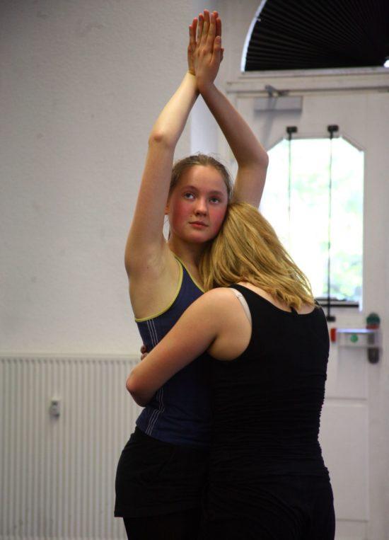 Lydia Jaenicke tanzt die Rose - Foto: Bernd Bolitschew