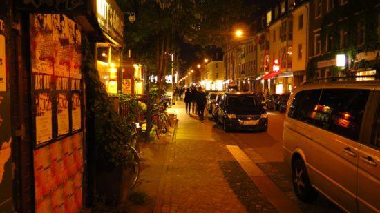 parken auf der Alaunstraße: Zugeparkte Alaunstrasse
