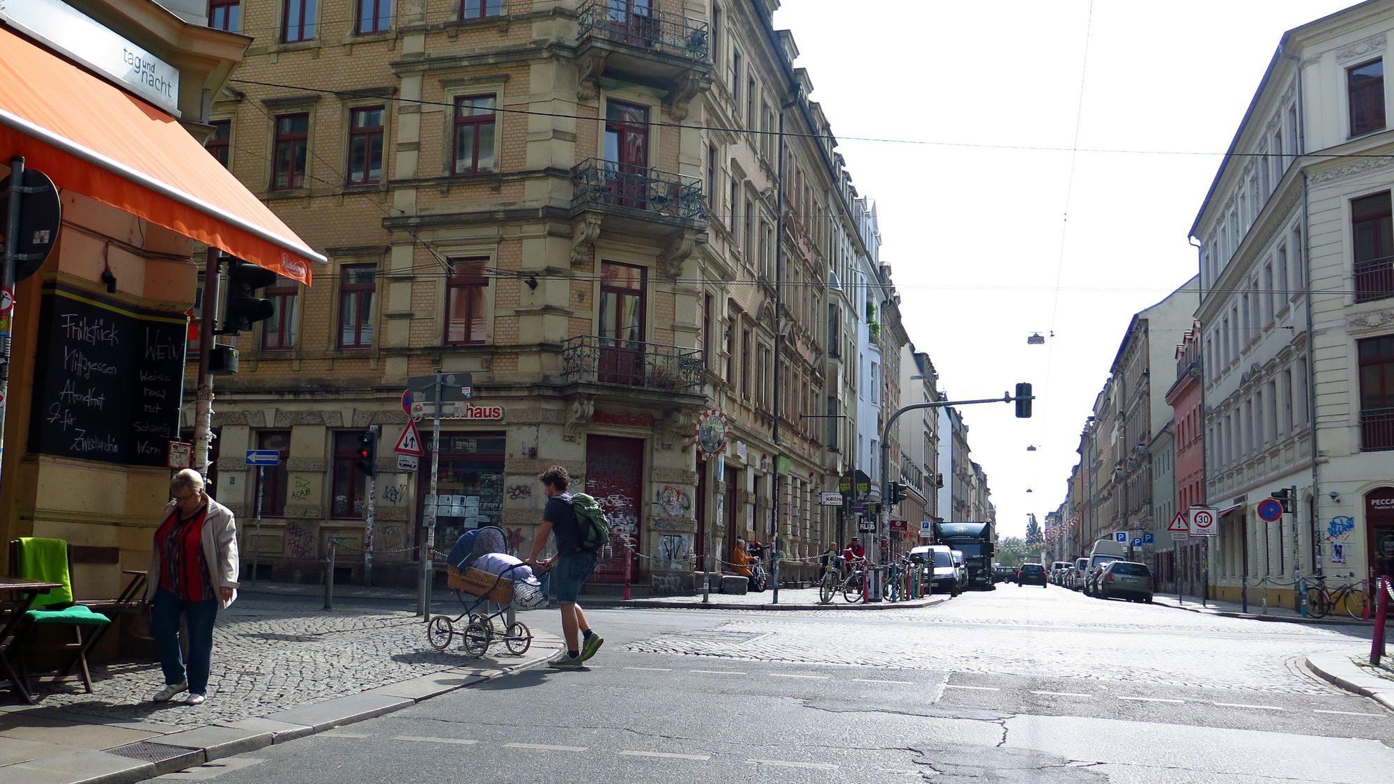 Genau so viele Stände, wie auf dem Bild, sind zur BRN an der sozialen Ecke erlaubt: gar keine.