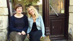 Franka Heinrich und Anna-Katharina Wirrmann vor ihrem gemeinsamen Laden af der Kamenzer Straße