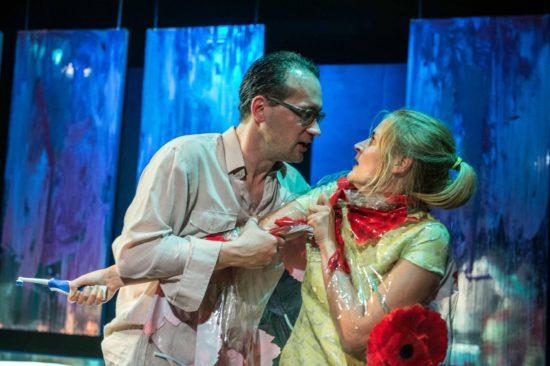 Philipp Otto und Sarah Bonitz in einer Szene aus Virginia Woolf - Foto: Detlef Ulbrich