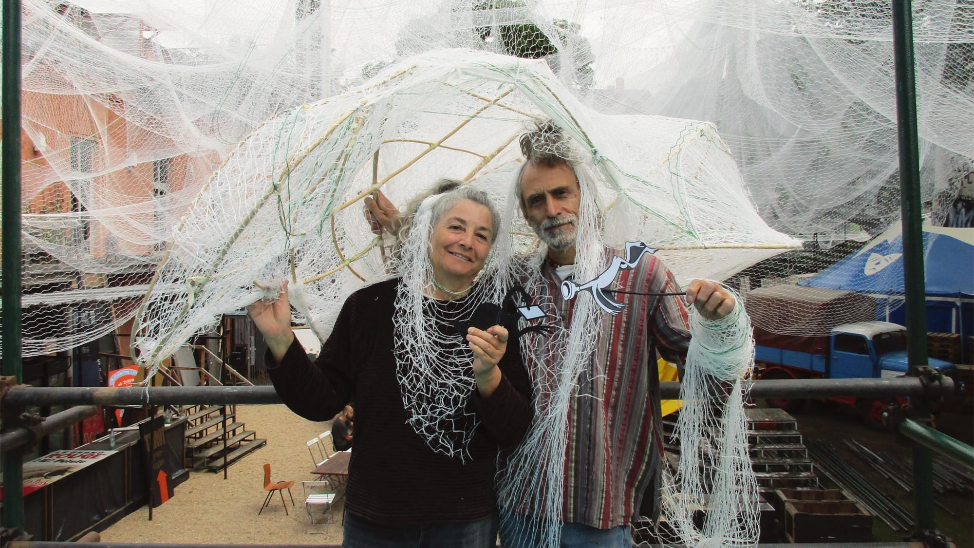 Die beiden Künstler César Olhagaray und Muriel Cornejo aus Chile sind für die diesjährige Dekoration verantwortlich.