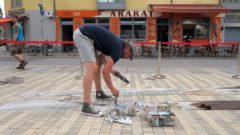 Fußbodenkunst im Rahmen des Lack.Streiche.Kleber-Festivals