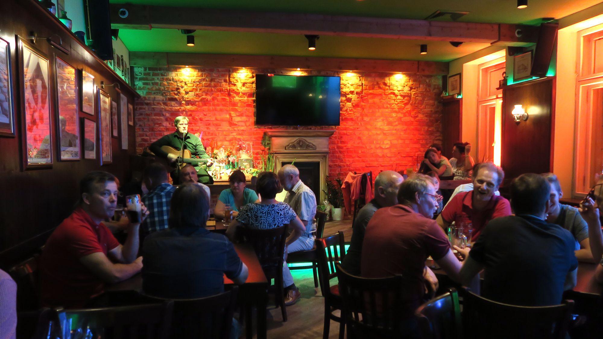 Bildergebnis für irish fiddler dresden