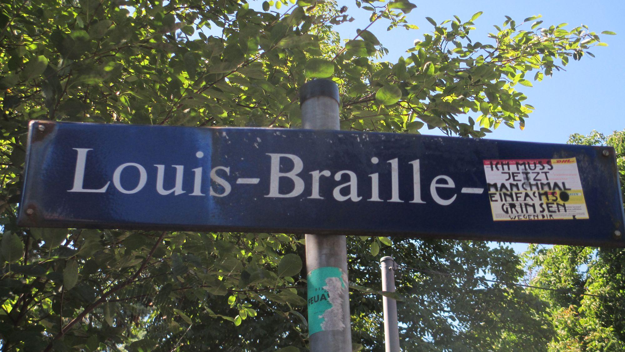 Louis-Braille-Straßenschild