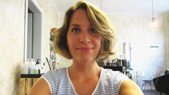 Mint Hair & Makeup Vorher: Nichts im Gesicht außer der Bräune vom letzten Toskana-Urlaub.