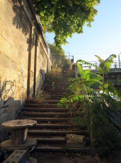 Auch die Treppe hoch zur Albertbrücke wird erneuert.