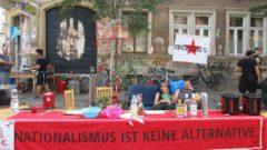 Politische Cocktail-Bar auf der Fritz-Hofmann-Straße
