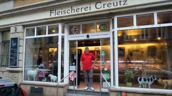 Sven Creutz in seiner Fleischerei in der Louisenstraße 25
