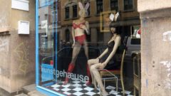 """always ultra- SEX IN THE CITY"" im Kunstgehæuse"