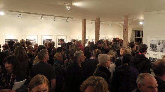Die Galerie im Kunsthaus Raskolnikow war rappelvoll.