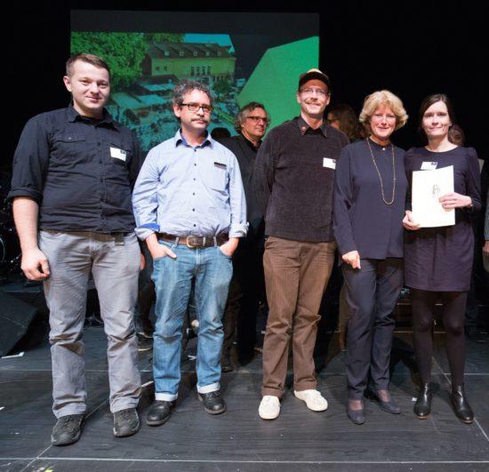 Die Scheune-Crew bei der Preisverleihung - Foto: Frank Schoepgens - Applaus 2016, Initiative Musik